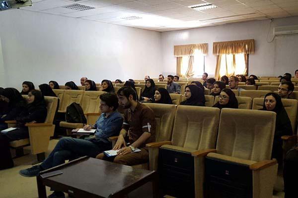 کارگاه عملی آشنایی با میکروسکوپ نیروی اتمی آرا پژوهش در دانشگاه زنجان